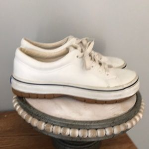 Meds leather sneakers
